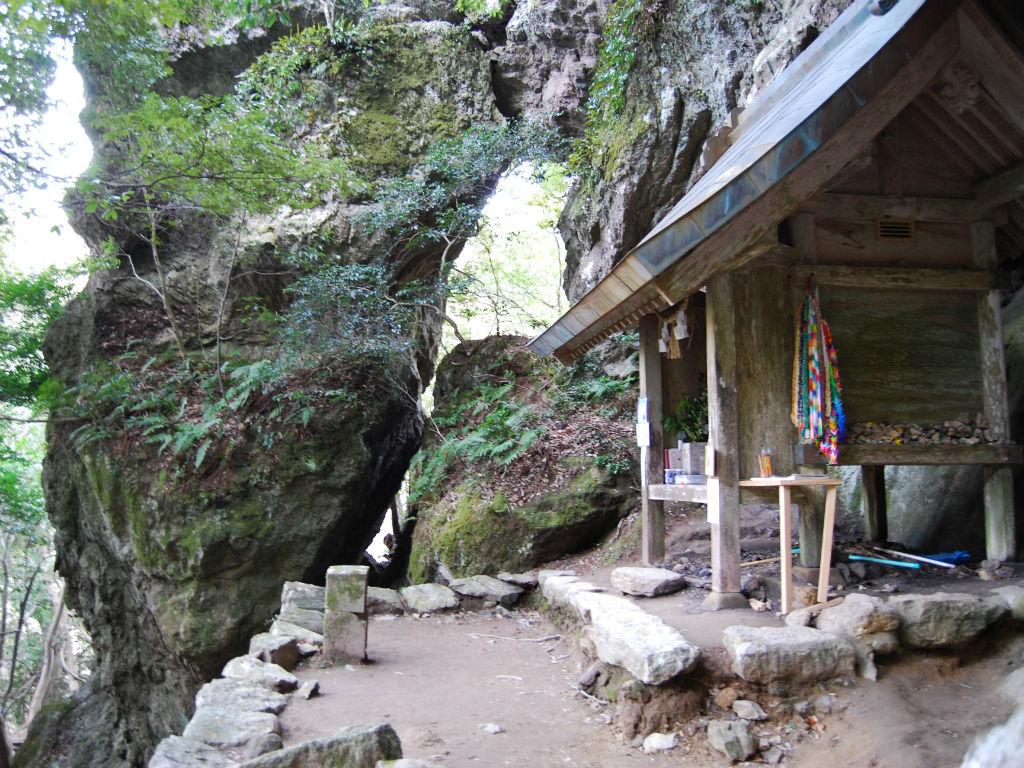 韓竈神社(Karakama Shrine)